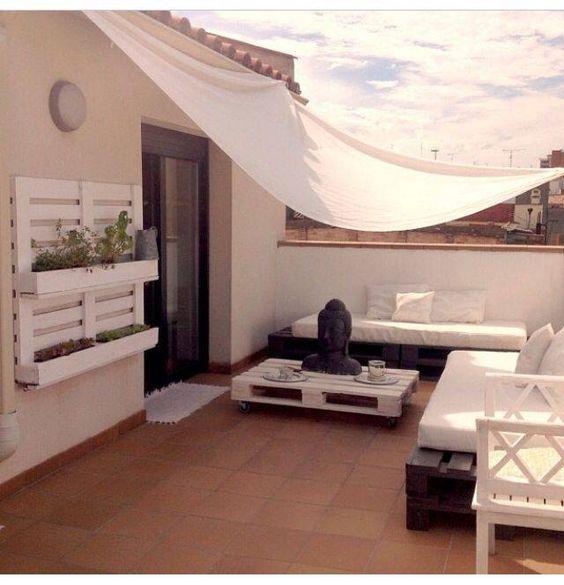 decoracion-terraza--atico-palets