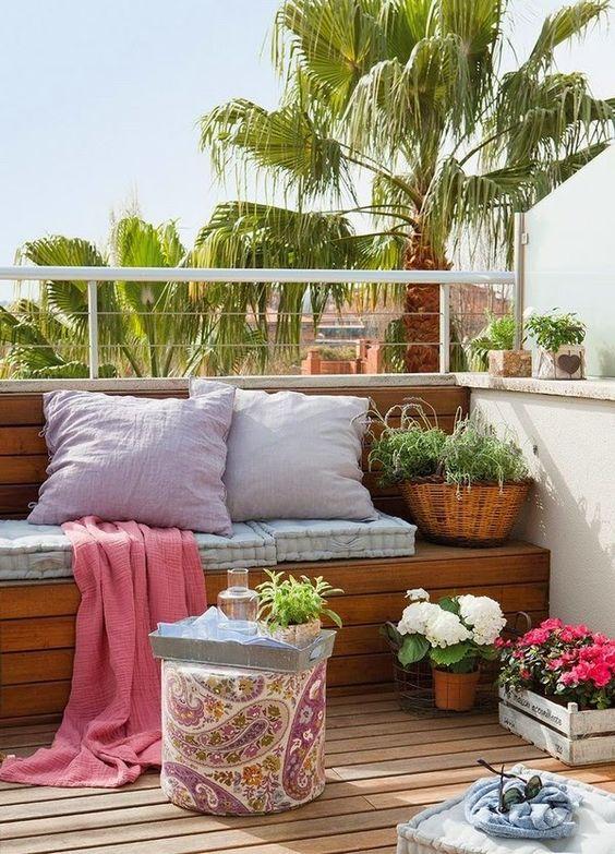 decoracion-terraza-cojines-plantas
